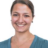 Naira Schwemmler : Sports & Dance Teacher