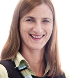 Yvonne Wende : Chief Executive Officer/School Principal