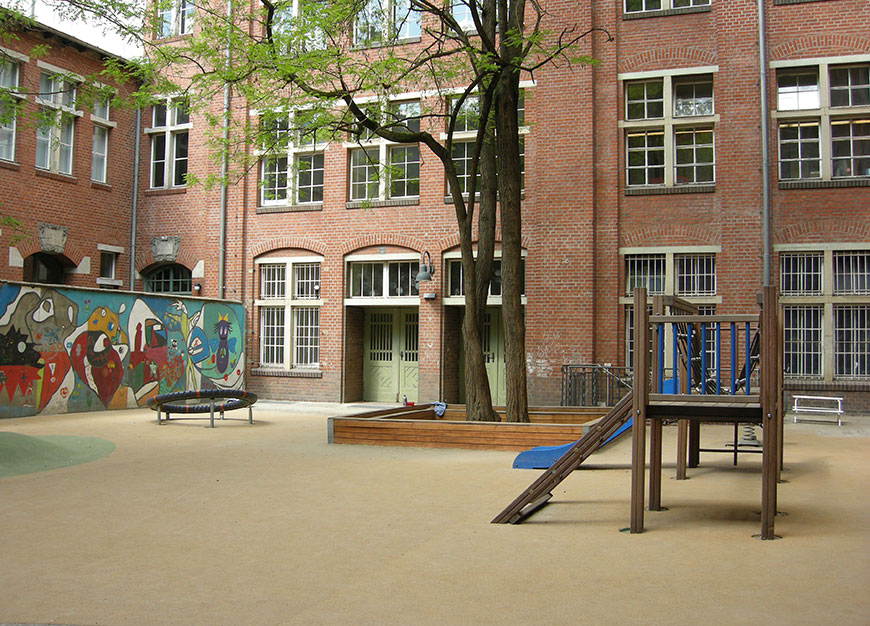 Main Building - Rückerstraße 9 - Courtyard