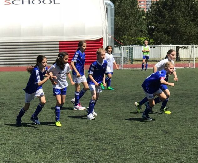 Berlin Cosmopolitan School_Soccer_Fußball_Girls and Boys